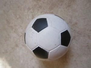 FC St. Gravenhage setzt sich die Krone auf - Viel Bewegung im internationalen Fußball